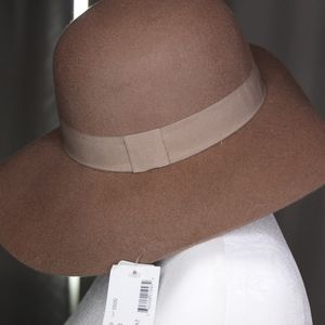 David and Young Round Crown Wool Hat